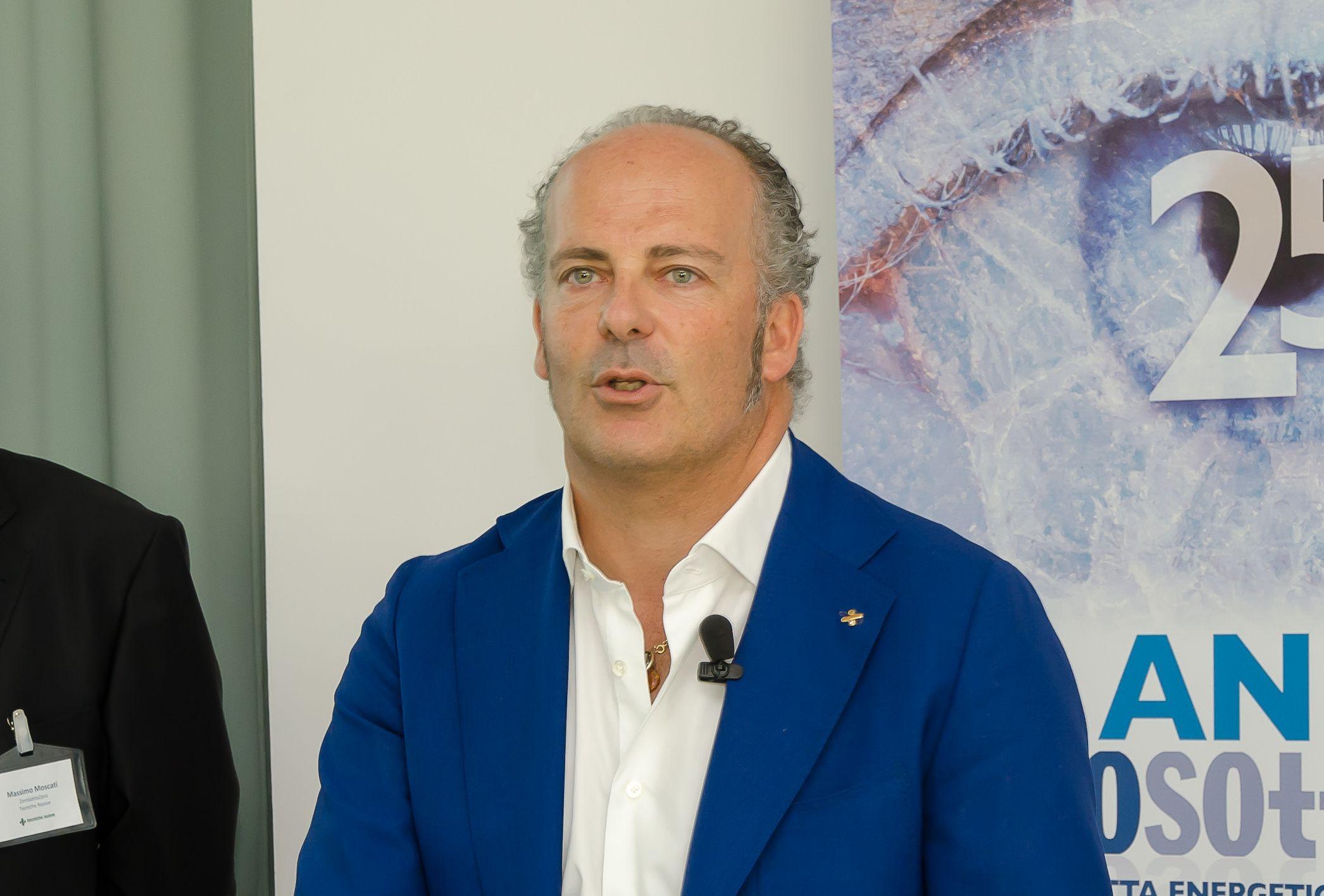 Ivo Nardella, direttore generale e amministratore delegato del Gruppo Tecniche Nuove durante i saluti preliminari